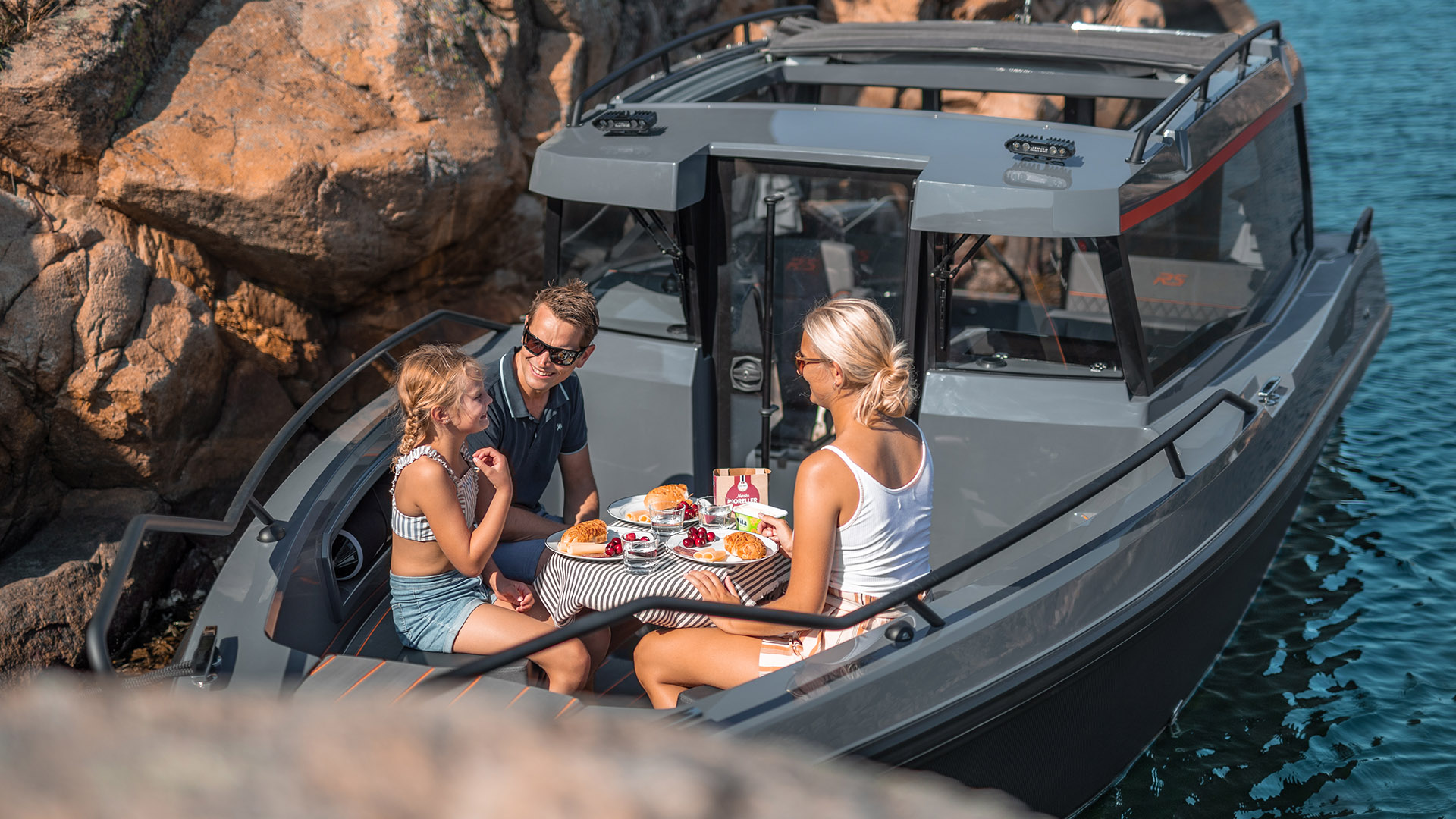 RS 800 C Bow - dining